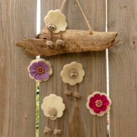 Suspension 3 moutons et 2 fleurs