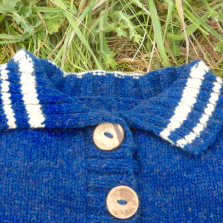 Gilet bleu foncé détail col