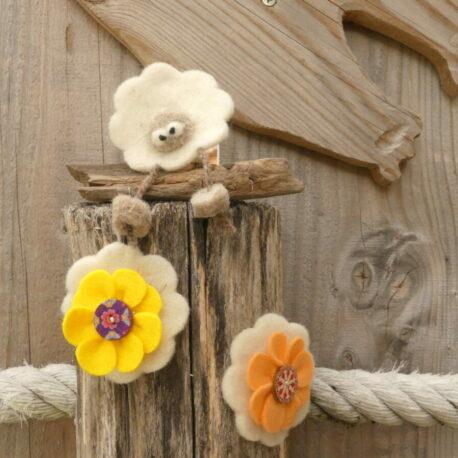 Mobile 1 mouton 2 fleurs